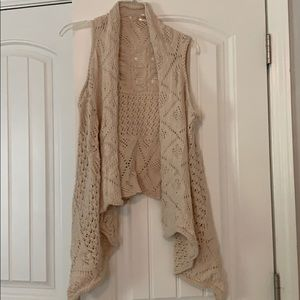 Cream knitted cardigan vest